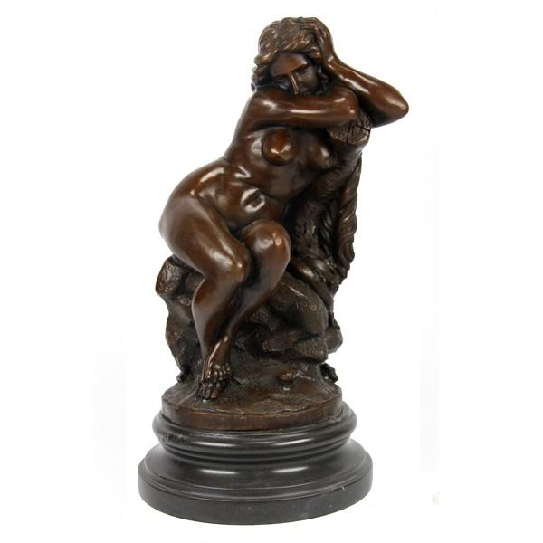 Бронзовая статуэтка Ева после грехопадения