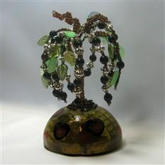 Дерево счастья из шпинеля на куполе