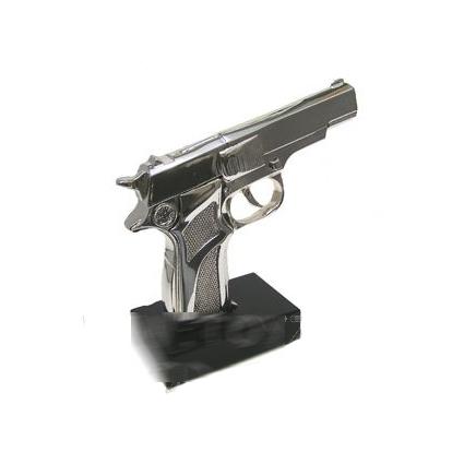 Скульптура «Пистолет»