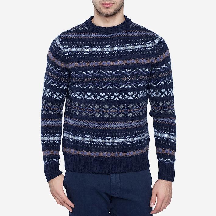 Пуловер c фантазийным узором