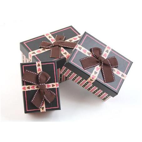 Коробка — прямоугольник 3 в 1, черная с тесьмой