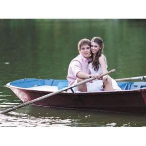 Прогулка на лодке для двоих