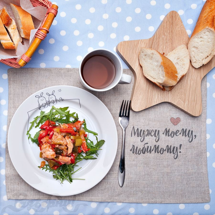 Сюжетная тарелка Кроли на пикнике
