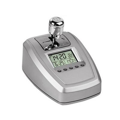 Часы с датой, термометром и радио