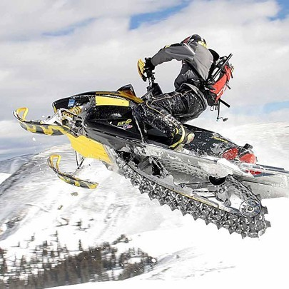 Катание на 1-местных снегоходах для двоих (60 мин)