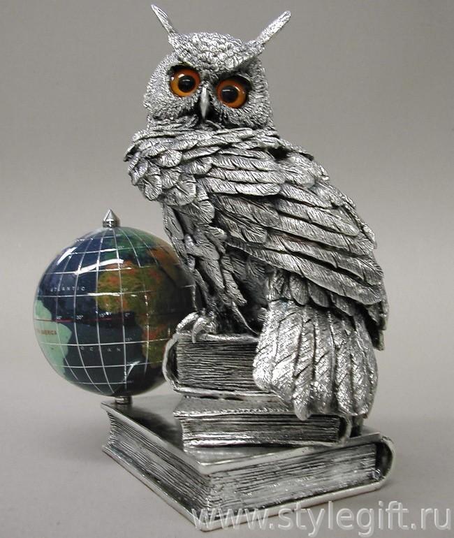 Скульптура Филин с глобусом