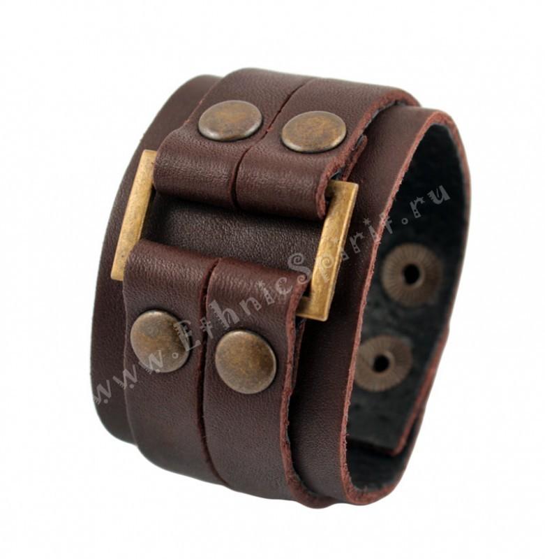 Коричневый кожаный браслет с латунной вставкой