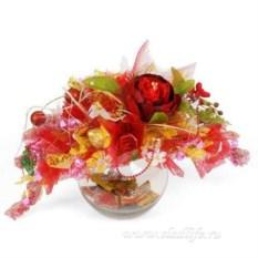 Красный букет из конфет Забава