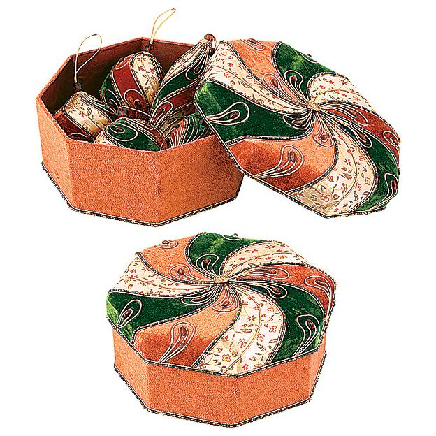 Комплект украшений в шкатулке
