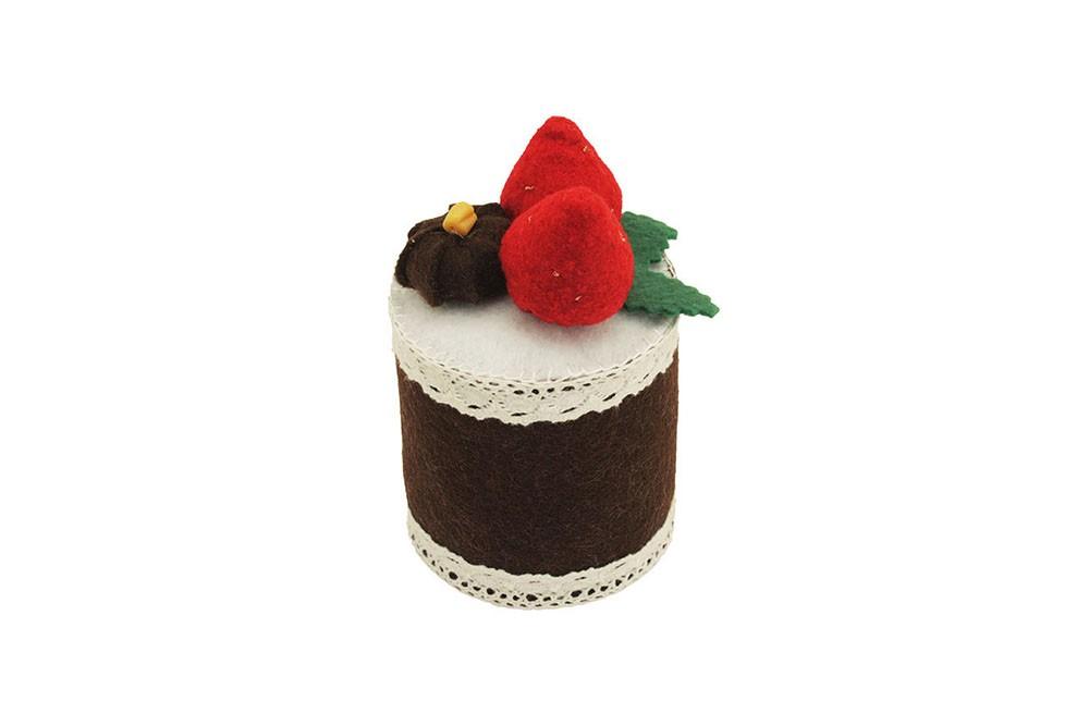 Пирожное из фетра «Шоколадно-клубничное»