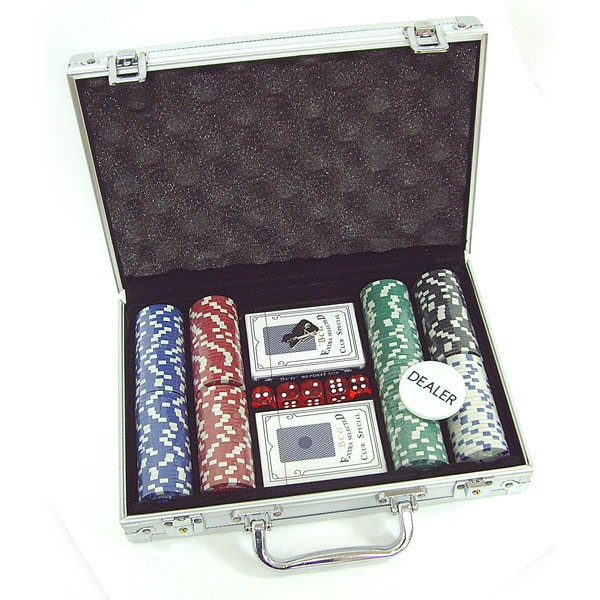 Набор для покера 200 фишек в кейсе