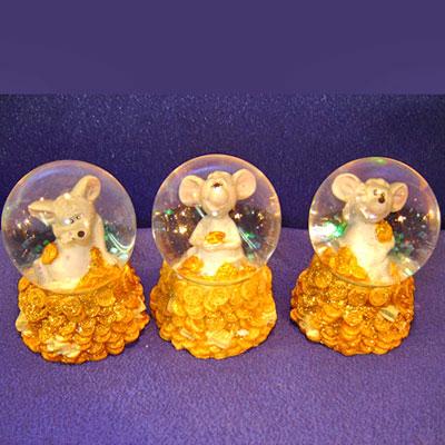 Мыши-шарики с золотым снегом