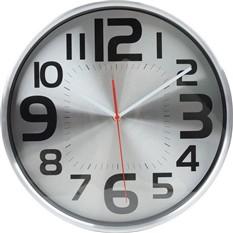 Настенные часы с большими цифрами