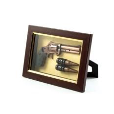 Декоративная композиция Пистолет