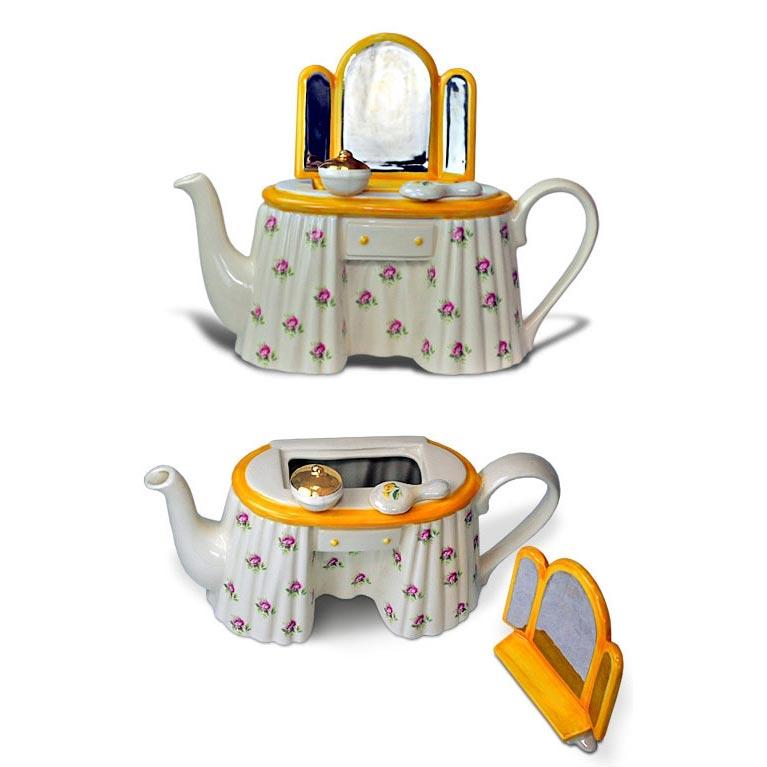 Фарфоровый чайник «Трюмо мадам Шерер»