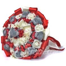 Красный букет из 9 мягких мишек Тедди и светлых роз