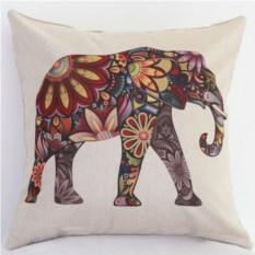 Декоративная наволочка со слоном