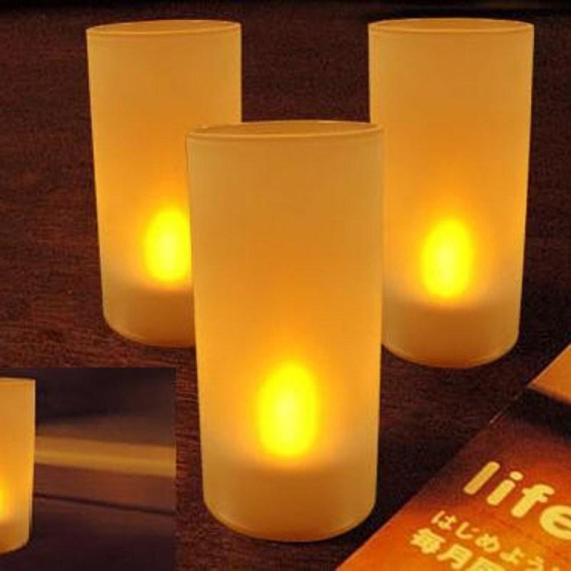 Набор из 6 электронных свечей и подсвечников