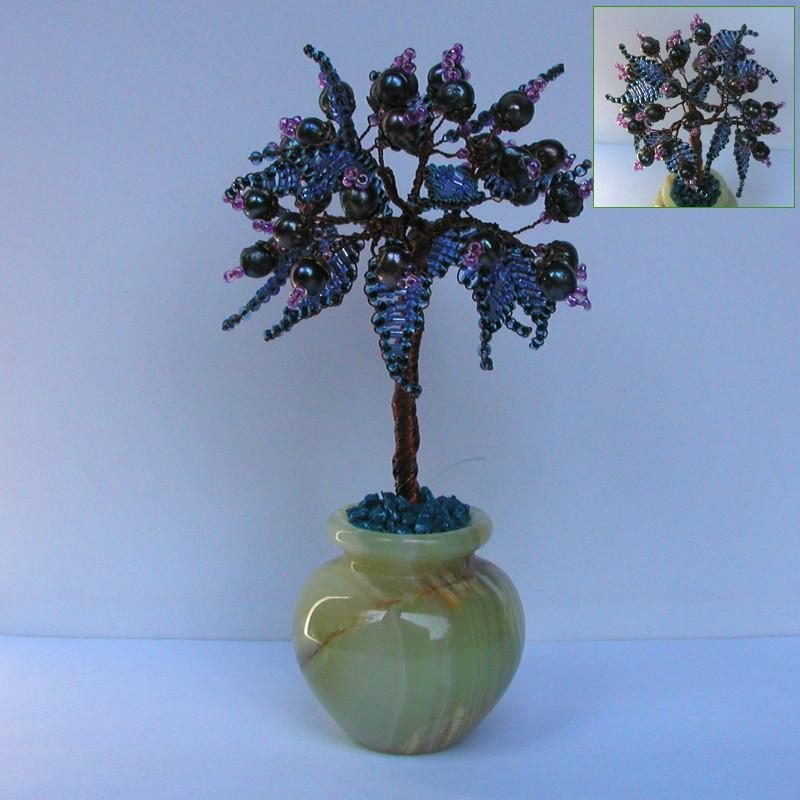 Дерево любви из черного жемчуга в вазочке из оникса