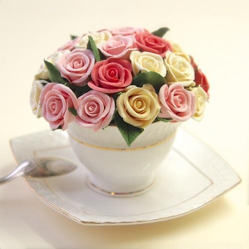 Цветочная композиция из глины Цветочный десерт