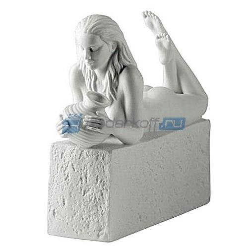 Фарфоровая статуэтка знака зодиака Водолей - женщина