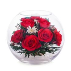 Композиция из роз в стекле