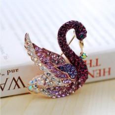 Брошь с фиолетовыми кристаллами Сваровски Верность