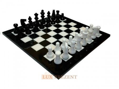 Классические шахматы из мрамора