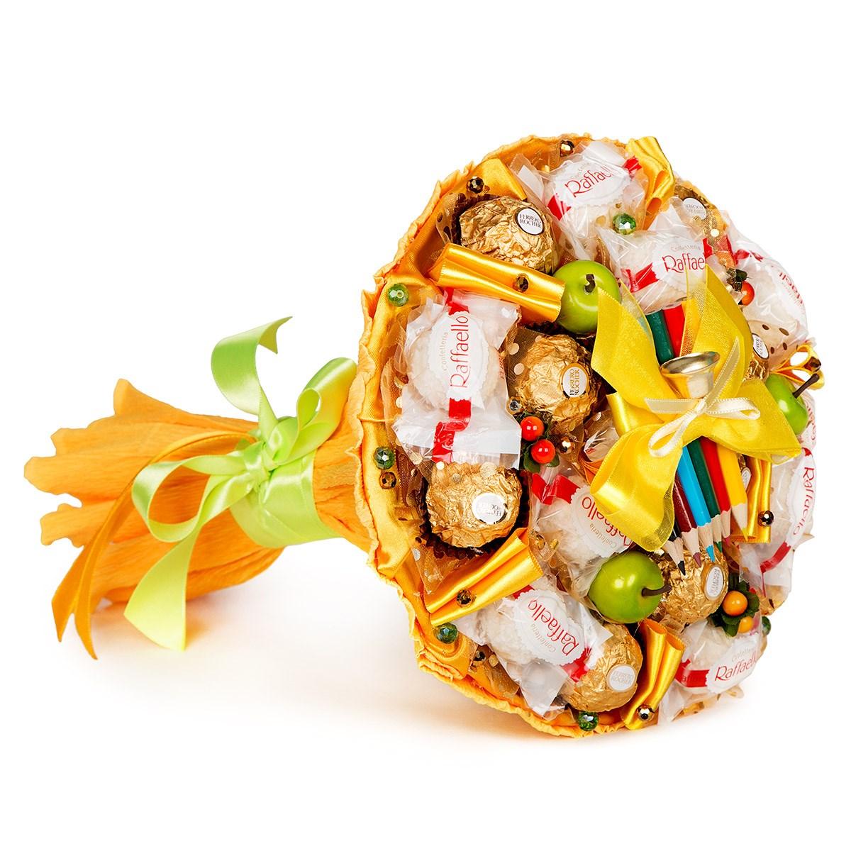Школьный букет из конфет