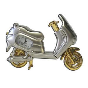 Модель мотороллера с часами