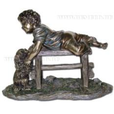 Декоративная фигурка Ребенок и собака