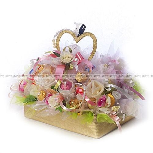 Букет из конфет Свадебный торт