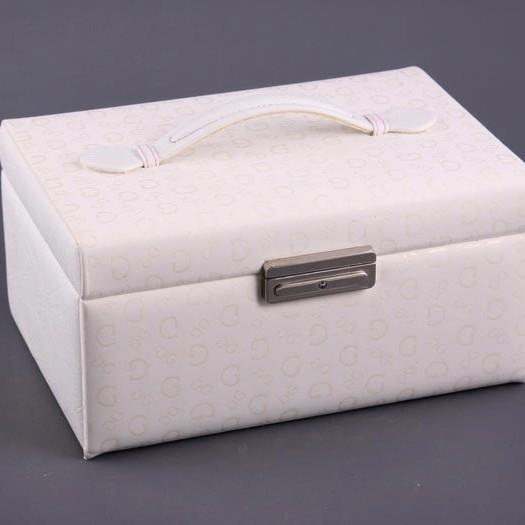 Шкатулка -  ларец для украшений белая