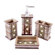 Изящный набор для ванной комнаты
