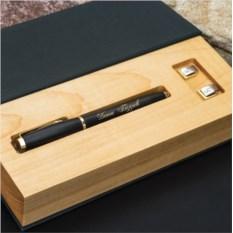 Набор: ручка Parker и запонки Persona с гравировкой