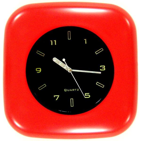 Часы пластиковые настенные