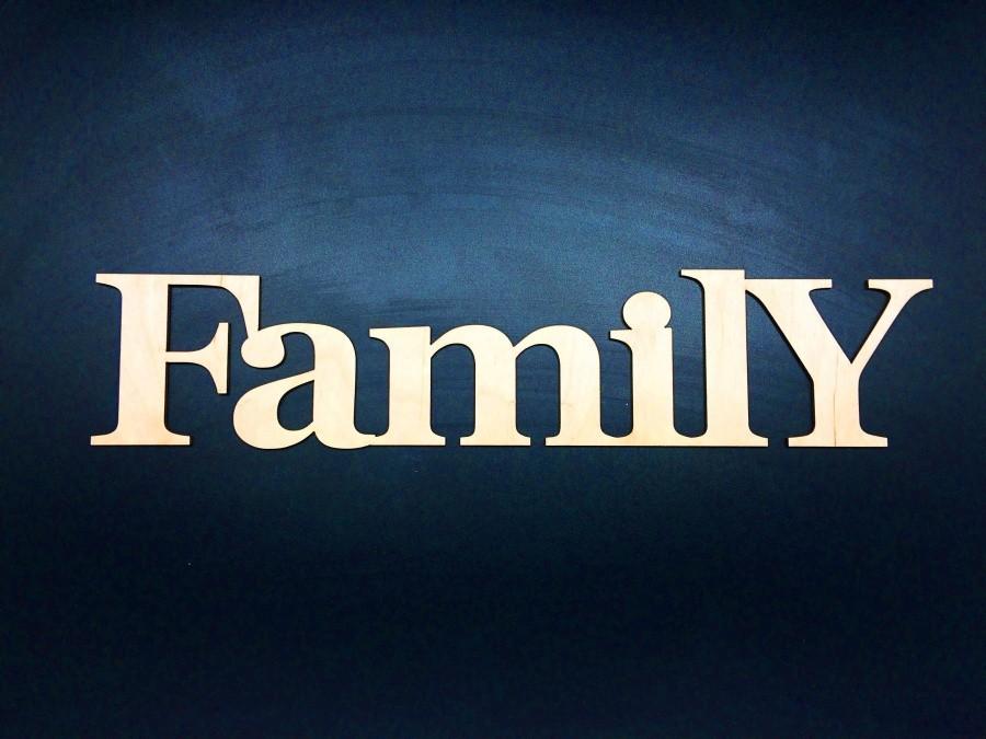 Среднее декоративное слово Family