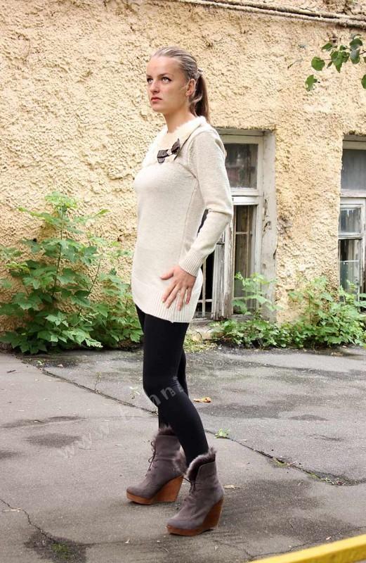 Удлиненный шерстяной свитер с аппликацией из меха кролика