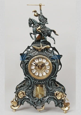 Часы из бронзы Всадник