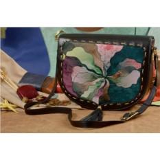 Женская кожаная сумка-седло Абстракция в зеленых тонах