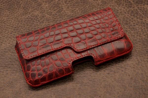 Кожаный чехол «Рубиновый кроко»