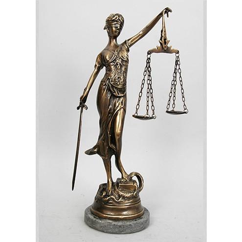 Статуэтка Правосудие