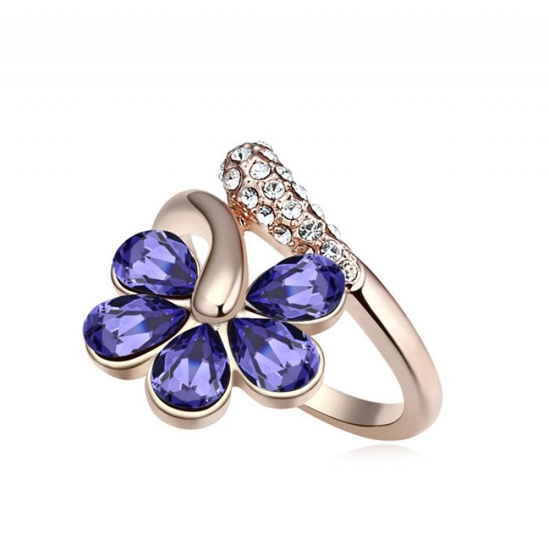 Кольцо с фиолетовыми кристаллами Сваровски «Цветочная лоза»