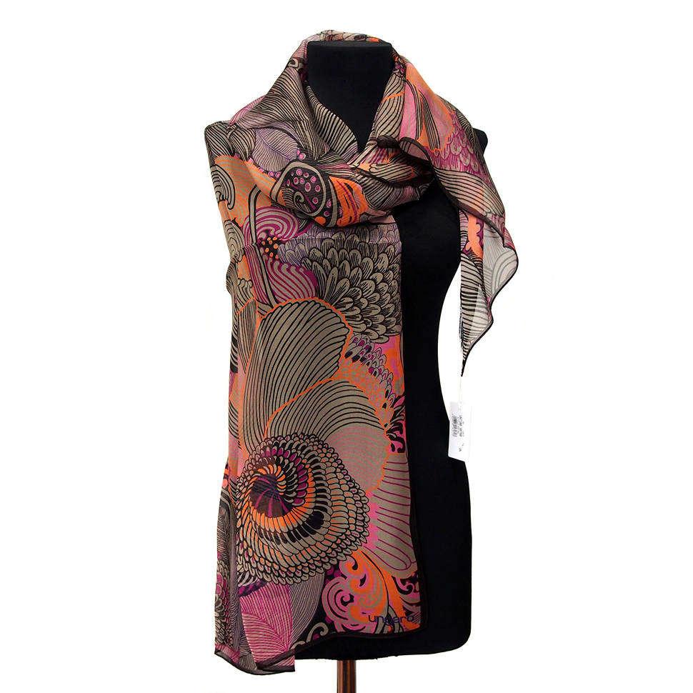 Модный палантин оригинальной расцветки и узора Ungaro