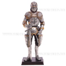 Декоративная фигурка Рыцарь (с мечом)
