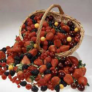 Корзина с фруктами «Ягодное лукошко»