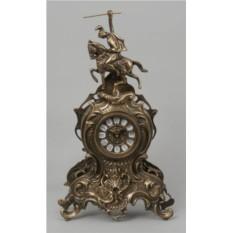 Стильные старинные часы Всадник