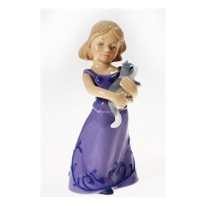 Фигурка «Девочка с котёнком»