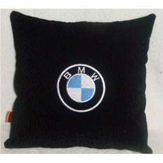Черная подушка BMW