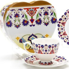 Подарочная чайная пара из чашки 180 мл и блюдца Lorain